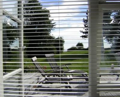 Jalousie an Fenster © Gerhard Frassa PIXELIO www.pixelio.de