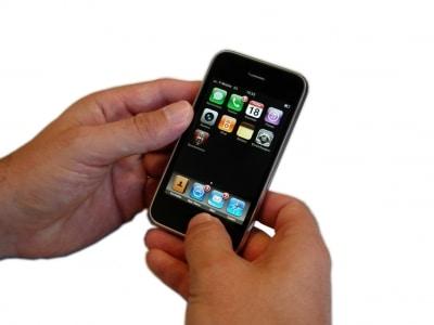 Apps auf einem iPhone © Kigoo Images  PIXELIO www.pixelio.de